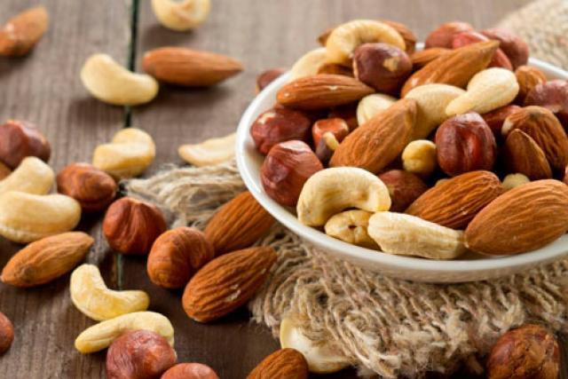 frutos secos tienen colesterol